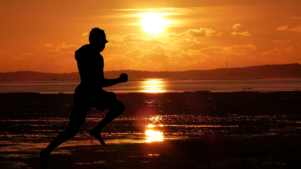 Egészségesebb a kerékpározás és a futás a súlyemelésnél
